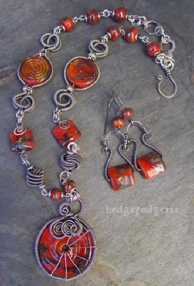 zuri-lampwork-necklace01